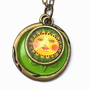 Green Sun Necklace